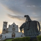 """IMG_7971 La statua che rappresenta """"Il ritorno"""" di San Francesco d'Assisi"""