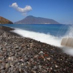 img_0621-lisola-di-salina-vista-da-lipari-arcipelago-delle-isole-eolie