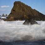 img_0965-i-faraglioni-della-riviera-dei-ciclopi-durante-una-mareggiata