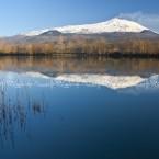 img_2211-letna-che-si-specchia-in-uno-dei-laghi-che-la-circondano