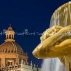 img_2814-catania-fontana-del-fiume-amenano-e-la-cupola-della-chiesa-badia-di-santagata