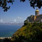 img_3956-tinari-il-santuario-e-la-spiaggia-che-richiama-la-sagoma-della-madonna